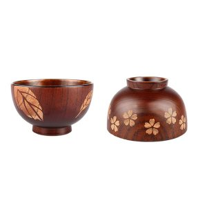 Wooden bowl with decoration