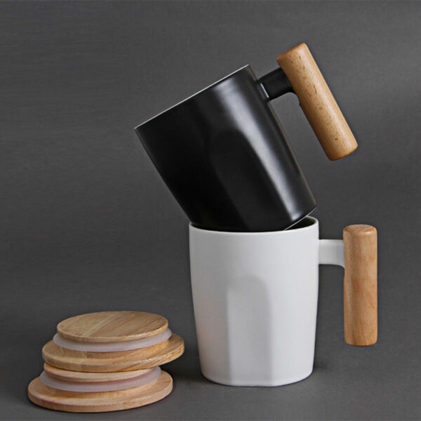 Angular ceramic cup with lid